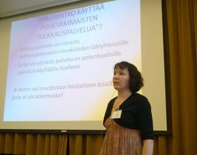 Lotta Lintula esitteli Sillalla 2016 -seminaarissa Pirkanmaan tulkkauskokeilu-työtapaa.