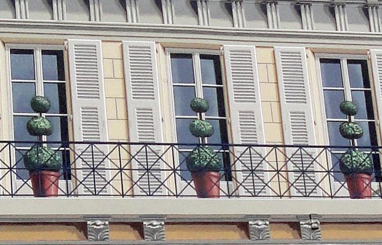 Kuva kolmesta ikkunasta